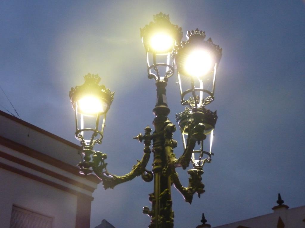 Suministro y montaje de luminarias LED