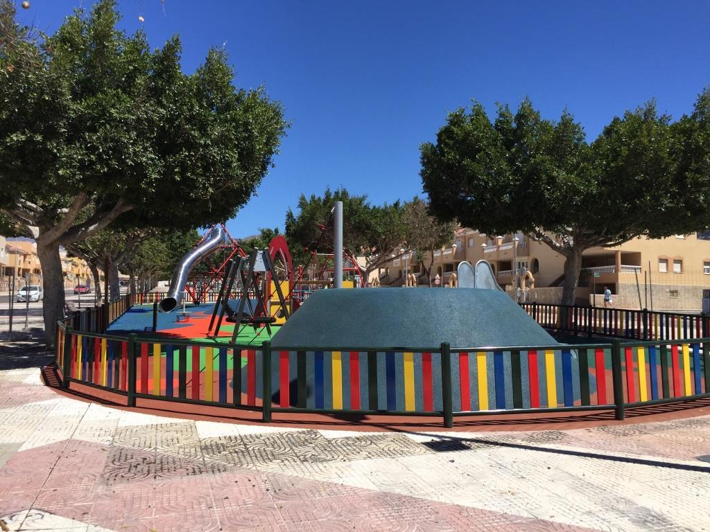 Zona de Juegos Infantiles en Roquetas de Mar (Almería)