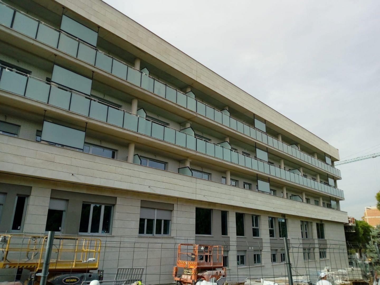Edificio de 27 viviendas y aparcamiento en Torrent