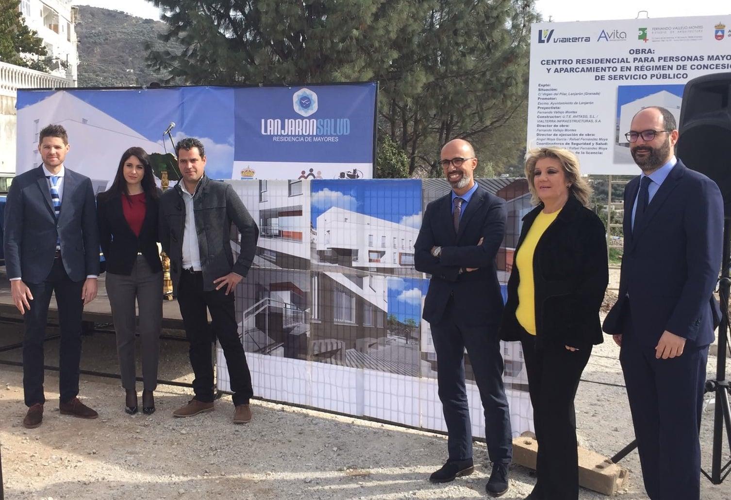 Firma del contrato Residencia de Mayores «Lanjarón Salud»