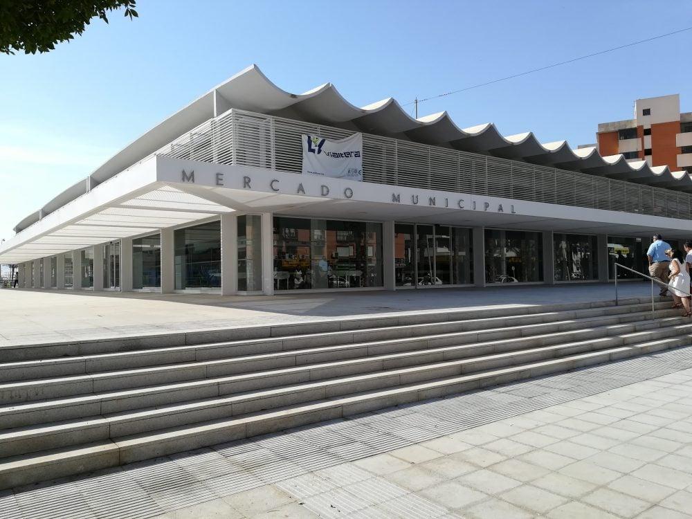Inaugurado el mercado de abastos de Roquetas de Mar, obra realizada por Vialterra Infraestructuras