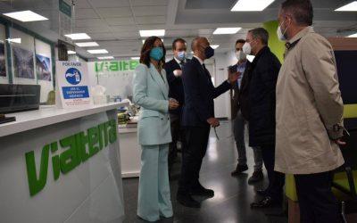 El Consejero de Hacienda y Financiación Europea de la Junta de Andalucía visita la central de Vialterra Infraestructuras, S.A.