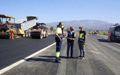 Vialterra comienza el asfaltado del vial de acceso al Puerto de Motril